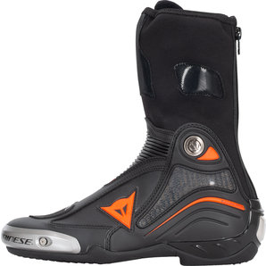 Axial D1 boot